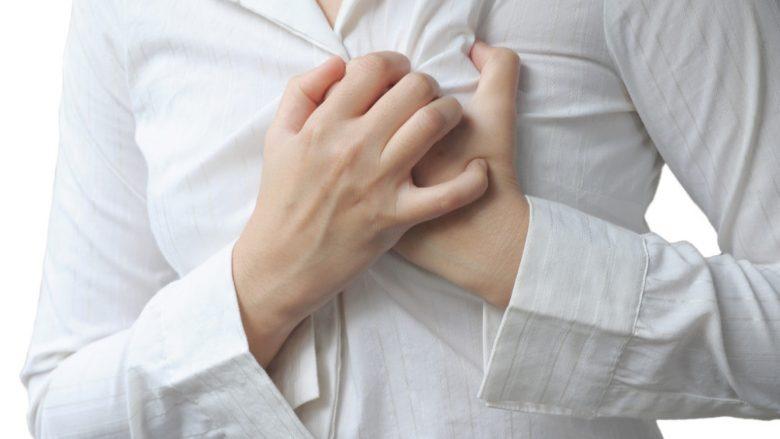 Rreziku për sulm të zemrës: Mungesa e gjumit ndërlidhet me shëndet të dobët kardiovaskular
