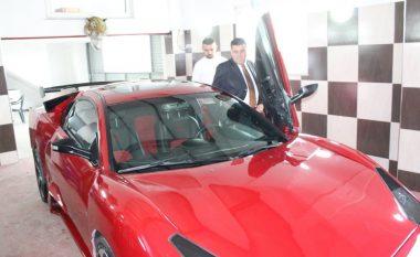 """""""Made in Gjilan"""": Haziri viziton mjeshtrin e ndërtimit të """"Lamborghinit"""" (Foto)"""