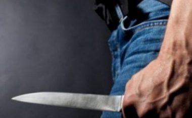 Tragjedi në Kavajë, burri vret me thikë gruan