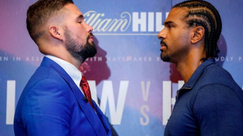 British boxers David Haye (R) and Tony Bellew attend a press conference in London on October 4, 2017, to promote their upcoming heavyweight rematch, due to take place on December 17.  / AFP PHOTO / Tolga AKMEN        (Photo credit should read TOLGA AKMEN/AFP/Getty Images)