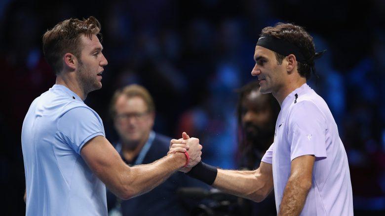 Federer e fillon me fitore rundin e tetë të mirëve në ATP Finals, mposht Sock