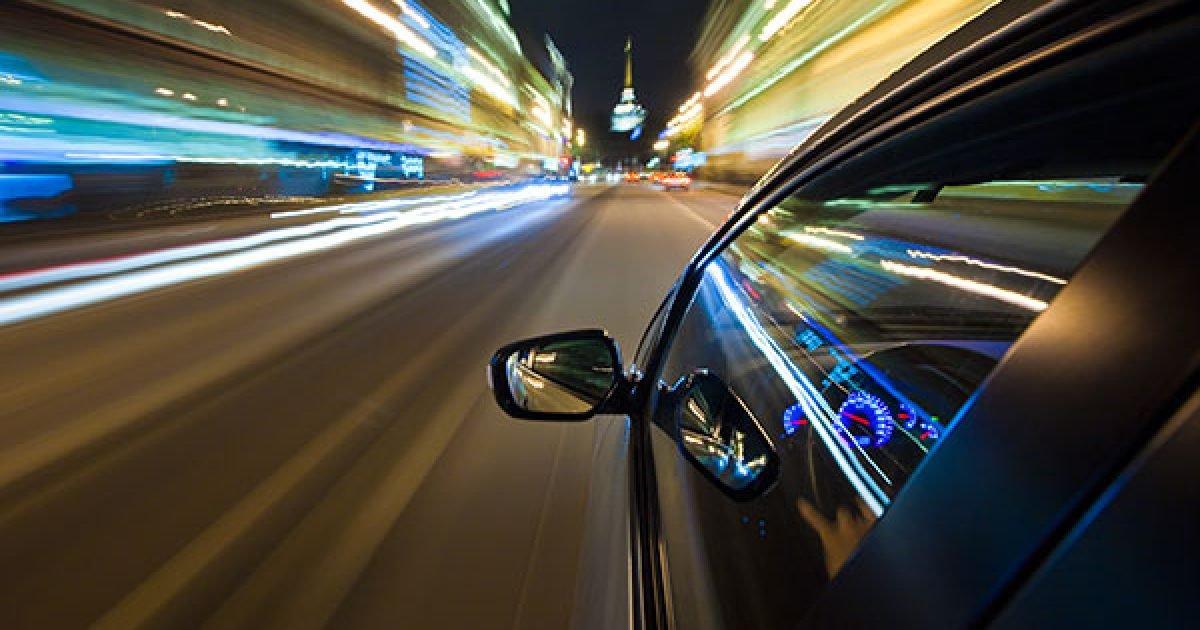 ndalohet-gazetarja-qe-voziste-me-200-kilometra-ne-ore-arsyetimi-i-cuditshem-befasoi-policet