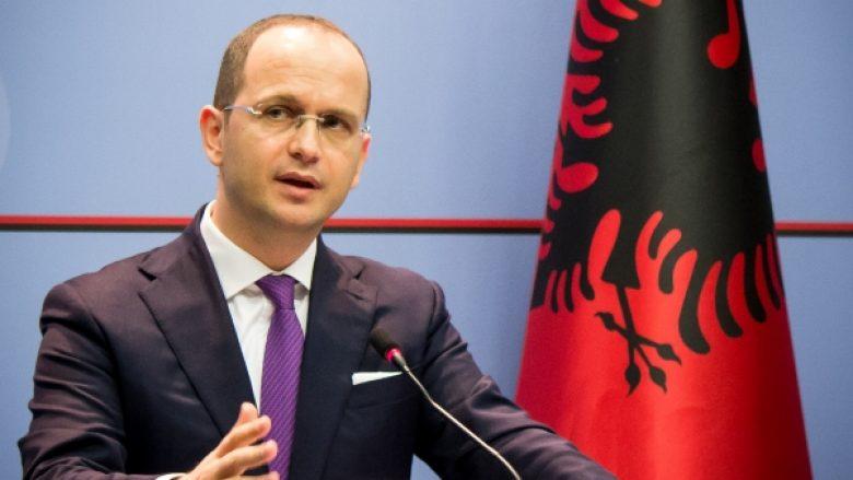 Bushati: Qytetarët e Maqedonisë ta mbështesin procesin e anëtarësimit të vendit në NATO dhe BE (Video)
