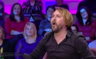 Kastro Zizo shpërthen me të bërtitura kundër Festivalit të RTSH-së: Janë pazarxhinj (Video)