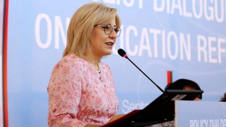 Ministrja Nikolla, e gatshme të takohet me studentët