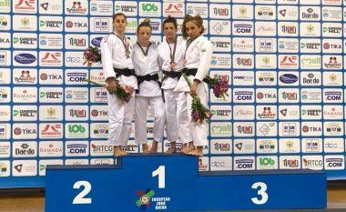 Distria Krasniqi fiton medaljen e artë