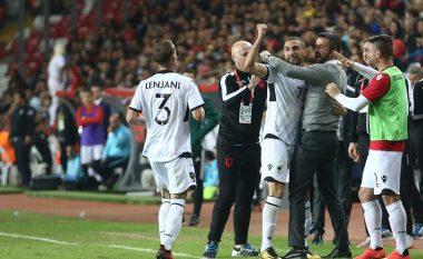 Shqipëri e fortë përballë Turqisë, fitore me 10 lojtarë në Antalia (Foto/Video)