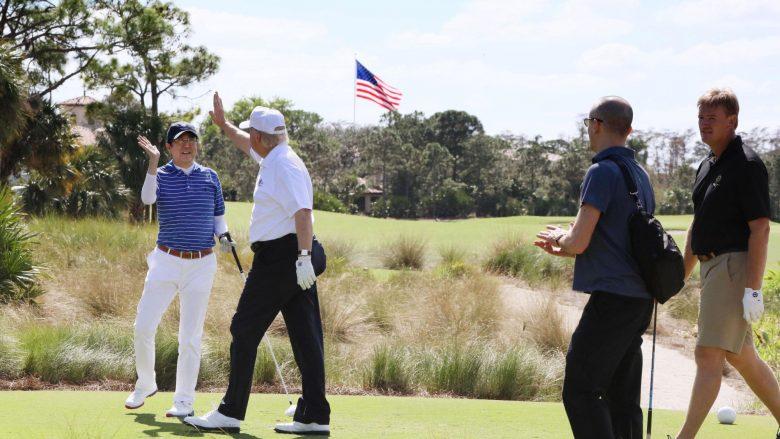 Samiti japonezo-amerikan filloi me një lojë golfi
