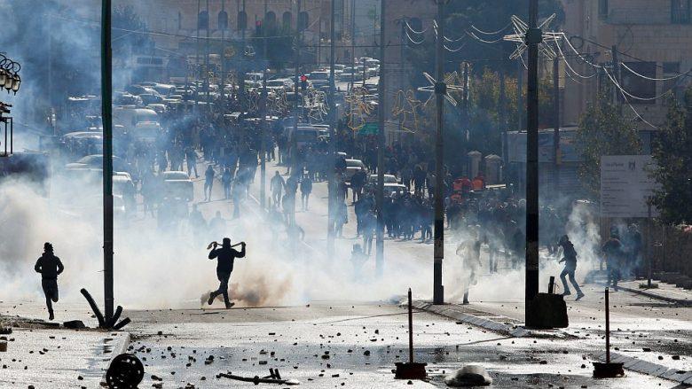 Përshkallëzohet situata në Bregun Perëndimor, 34 të lënduar – reagojnë liderët botërorë (Foto/Video)
