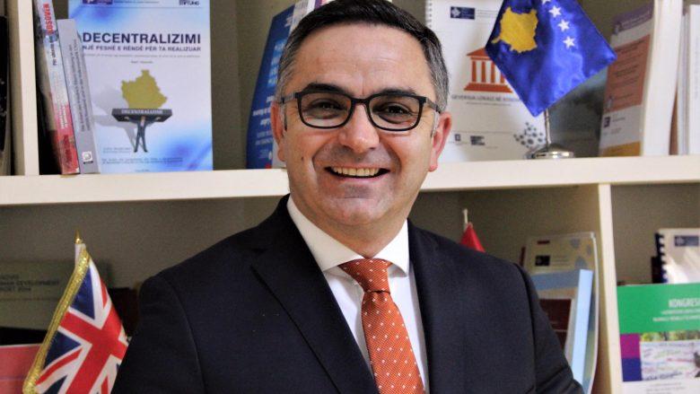 Besnik Tahiri zgjedhet president i Asociacionit Chevening në Kosovë