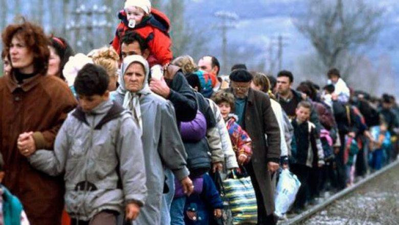 Hapet ekspozita me fotografi të refugjatëve nga Kosova në Kukës