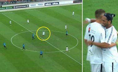 Ronaldinho shënon nga mesi i fushës, duartrokitet edhe nga portieri kundërshtar (Video)
