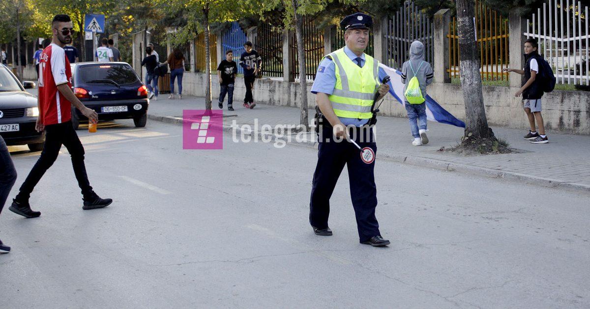 Policia gjatë 24 orëve arrestoj 28 persona, shqiptoi 1073 tiketa trafiku