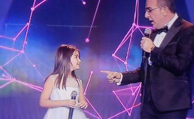 Ardit Gjebrea i rikthehet muzikës! Këndon këngën e re së bashku me vajzën e tij Anën në 'Kënga Magjike' (Foto)