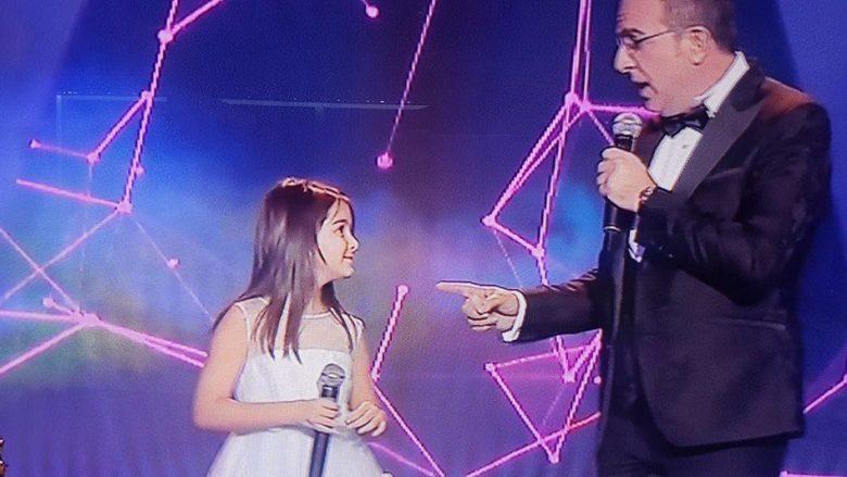 """Ardit Gjebrea interpreton së bashku me vajzën në """"Kënga Magjike 2017"""""""