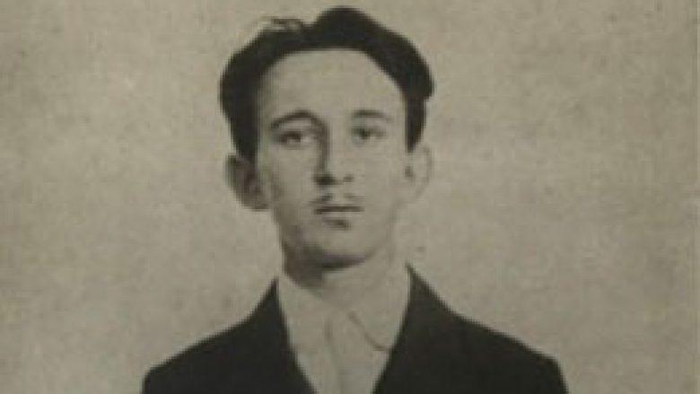 Vaso Çubriloviq, në vitin 1914, nën arrestin e policisë austro-hungareze