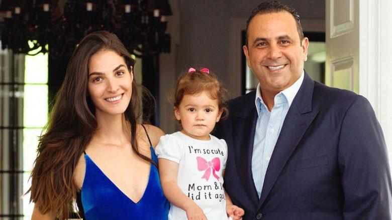 Rezultate imazhesh për emina cunmulaj and her family