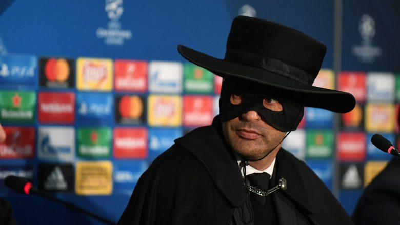 """Trajneri i Shakhtarit mbanë premtimin, shfaqet i veshur si """"Zorro"""" pas kualifikimit (Video)"""
