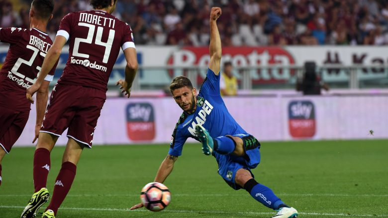 TURIN, ITALY - MAY 28:  (R) Domenico Berardi of US Sassuolo in action during the Serie A match between FC Torino and US Sassuolo at Stadio Olimpico di Torino on May 28, 2017 in Turin, Italy.  (Photo by Pier Marco Tacca/Getty Images)