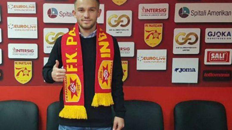 Zyrtare: Esat Mala nënshkruan me Partizanin (Foto)