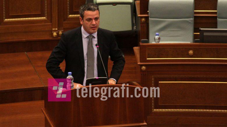 Gashi pyet Haradinajn: Kryeministër a i ke 61 deputetë që e përkrahin qeverinë tënde?