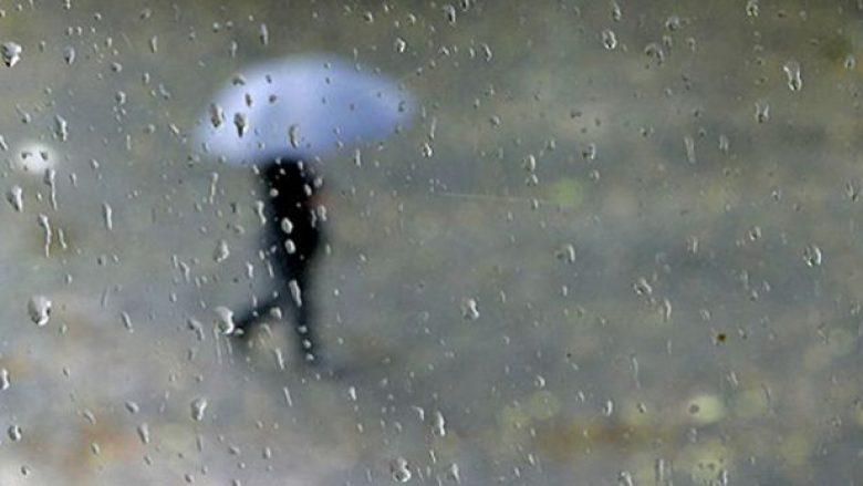 Ditëve të ardhshme më ftohtë, në fundjavë priten reshje shiu