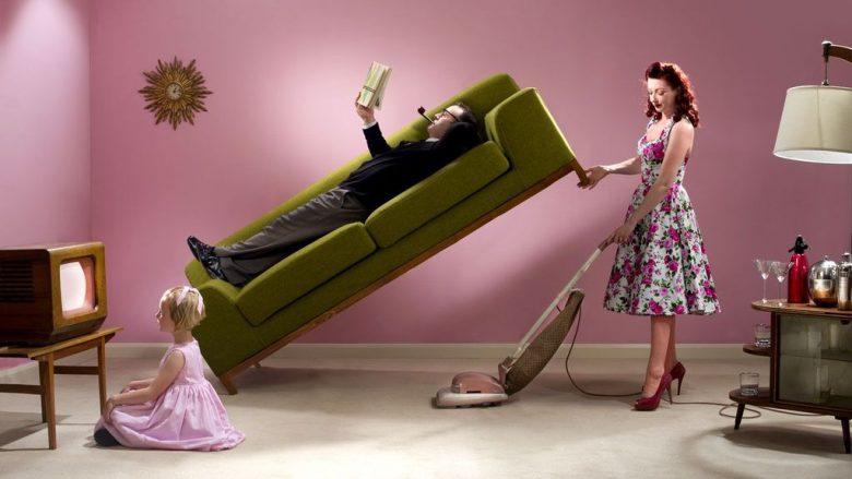 Burri dhe gruaja duhet t'i ndajnë punët e shtëpisë – përndryshe shëndeti i saj mund të përkeqësohet