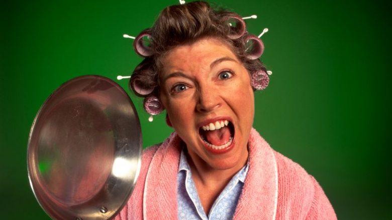 Çka është menopauza, cilat janë simptomat dhe si t'i