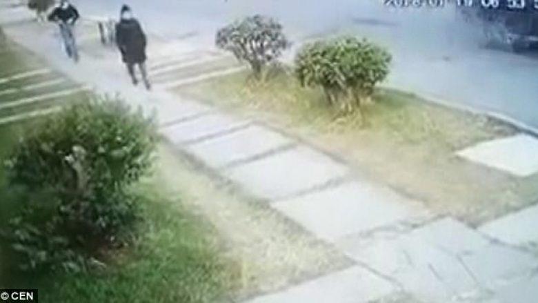 Ish-Miss Guatemala ekzekutohet në mes të ditës në qendër të qytetit, kamerat e sigurisë filmojnë momentin rrëqethës (Video, +18)