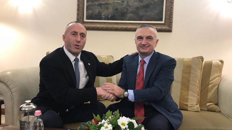 Haradinaj në Shqipëri, takon presidentin Ilir Meta
