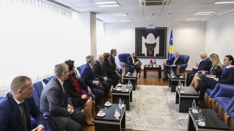 Haradinaj falënderon qytetarët e Kukësit për mbështetjen dhënë Kosovës