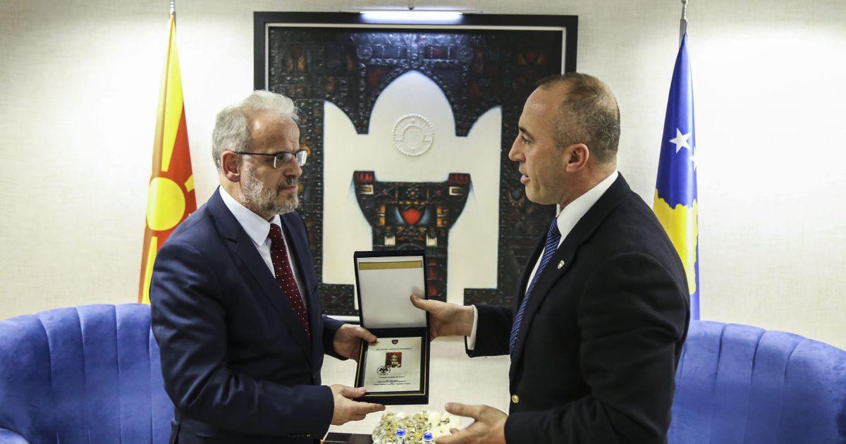 haradinaj-e-xhaferi-biseduan-per-bashkepunimin-kosove-maqedoni