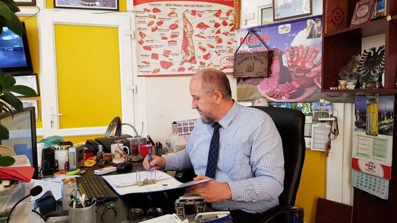 Biznesmeni kosovar mban premtimin, punëtorëve ua jep pagën e 14-të