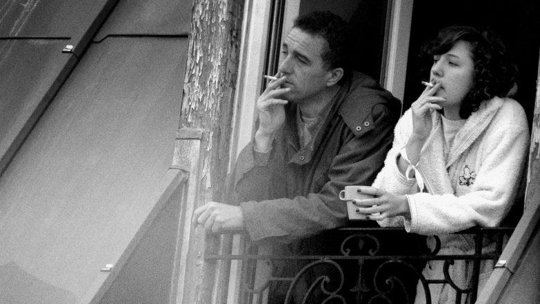 Më në fund dimë përse duhanxhinjtë në mëngjes patjetër duhet të ndezin cigaren kur e pinë kafenë