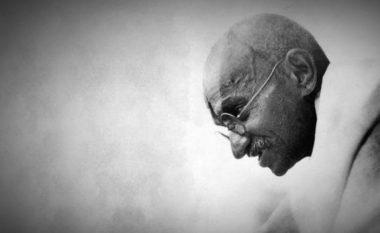 Dhjetë thënie të Gandhit: Bëhuni ndryshimi që doni ta shihni në botë