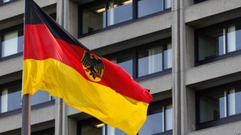 Ambasada gjermane në Prishtinë ndryshon procedurat për vizë pune