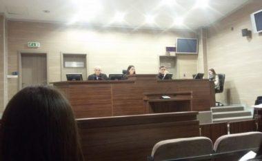 """Pronari i kolegjit """"Biomedica"""": Truproja i Hashim Thaçit mi kërkoi 65 mijë euro"""