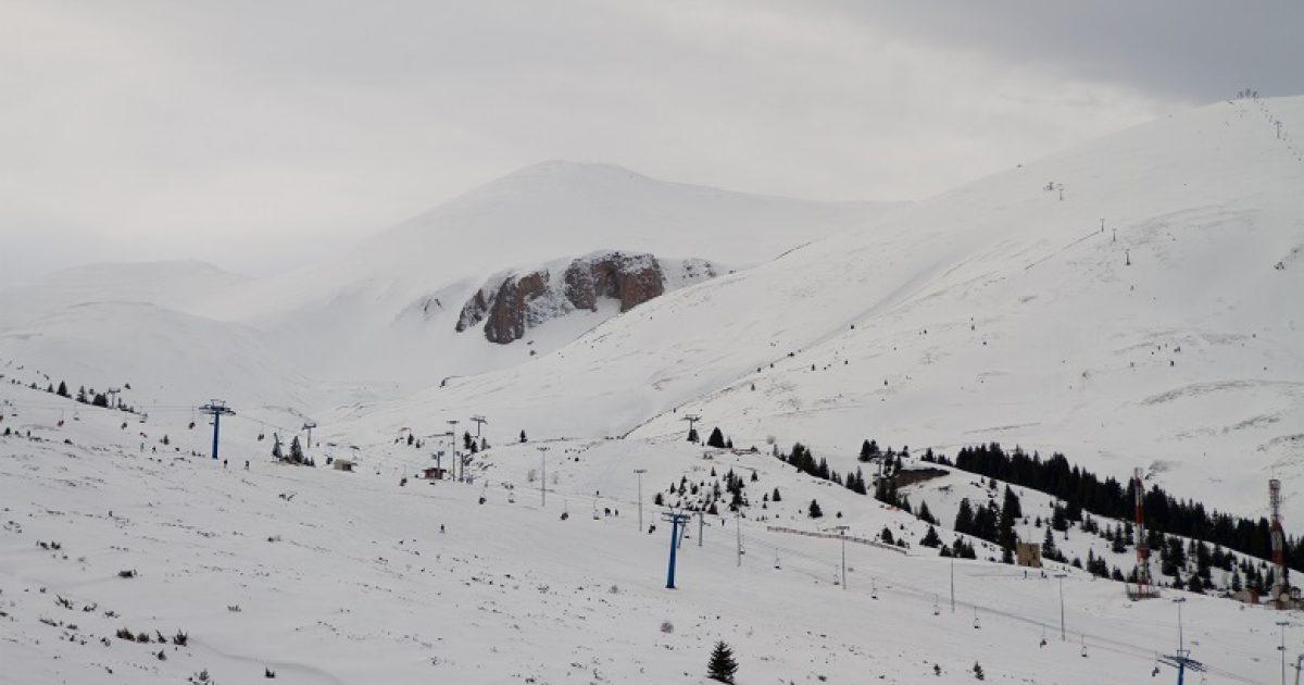 Në Kodrën e Diellit ka rënë tetë centimetra borë