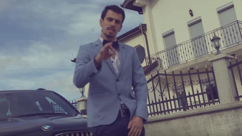 Andi sjell këngën e re (Video)