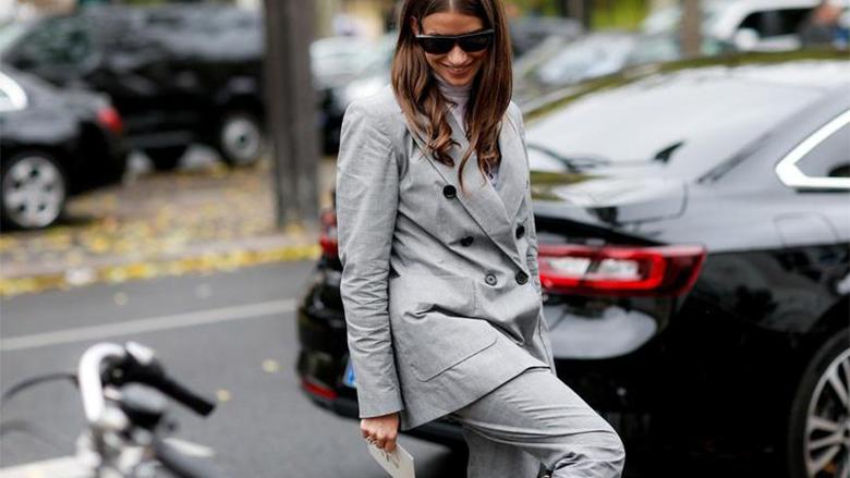 Pantallona hit për këtë vit: U rrinë mirë të gjitha femrave, përshtaten me të gjitha pjesët e tjera të rrobave! (Foto)