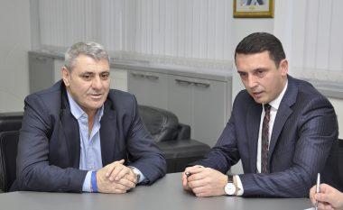 Ministri Gashi vizitoi FFK-në, stadiumi i Prishtinës do të jetë i gatshëm në muajin maj