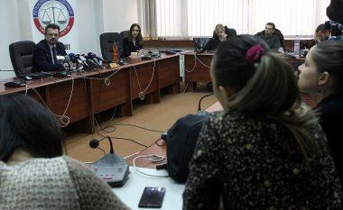 Karaxhovski kritikon punën e Ministrisë së Drejtësisë dhe ankohet për pagat e ulta të gjykaësve