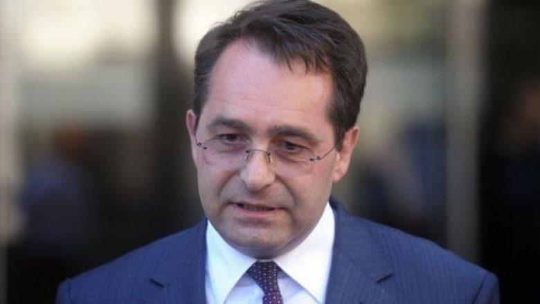 Ish-ambasadori Peci: Ekipi Negociator është kthyer në oborrtarë të Thaçit