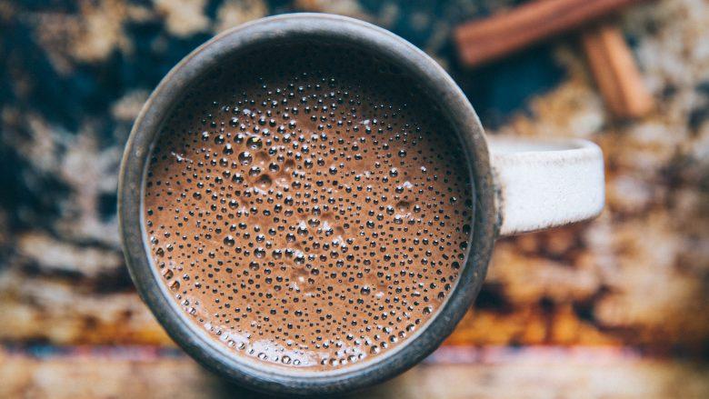 """Receta për përgatitjen e """"hot chocolate"""""""