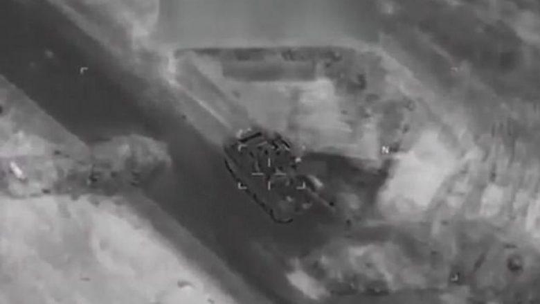 Daily Mail: Aeroplani amerikan hedh në erë tankun rus në Siri? (Foto/Video)