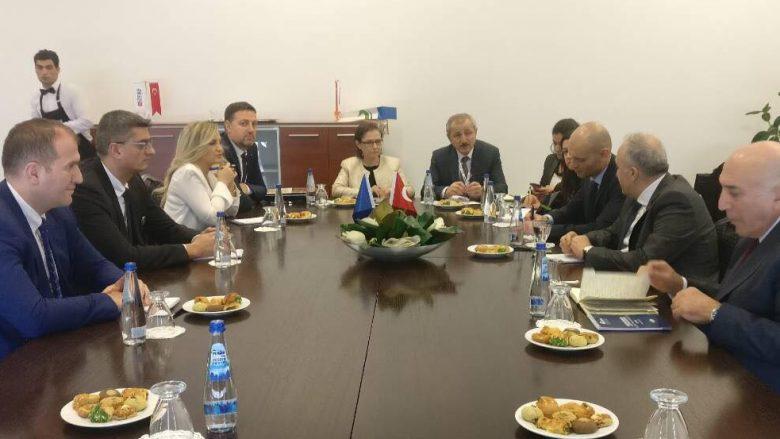 Kosova dhe Turqia me marrëveshje për sektorin e bujqësisë