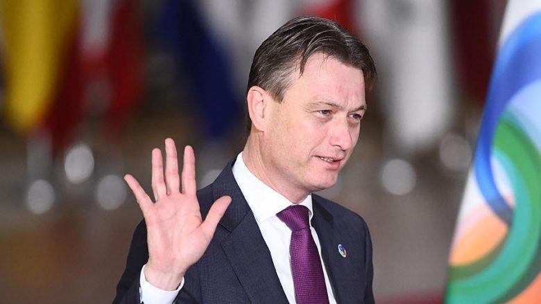 Shefi i diplomacisë holandeze pranon se kishte gënjyer për Putinin