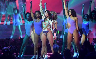 Dua me performancë mahnitëse në Brit Awards