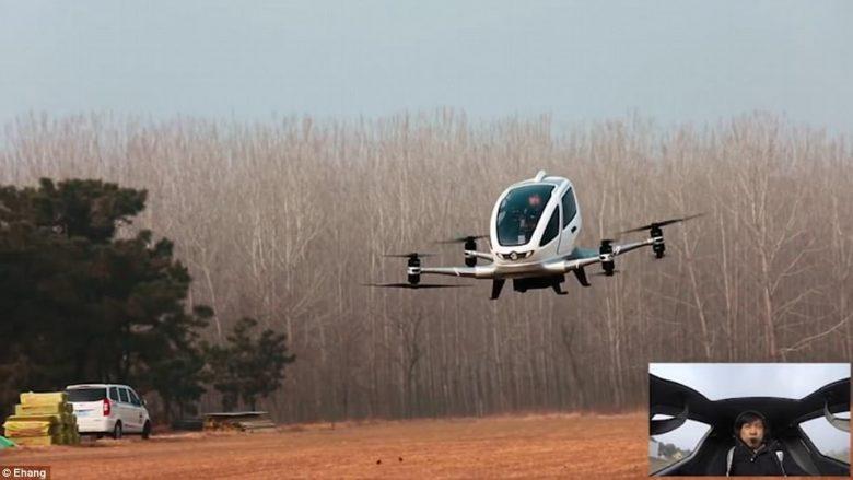 EHang ka përfunduar testet e dronëve vetëvozitës, që bartin udhëtarët me 130 kilometra në orë (Video)