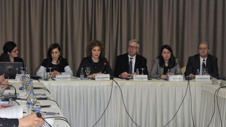Reshitaj e shqetësuar me nivelin e pjesëmarrjes së grave në vendimmarrje